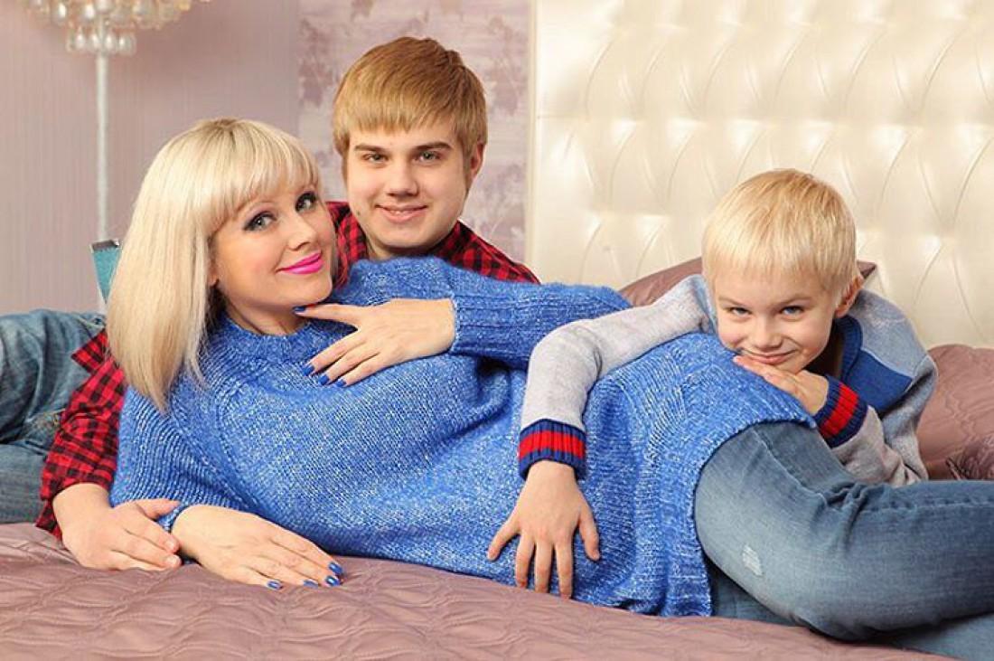 Певица Натали с сыновьями