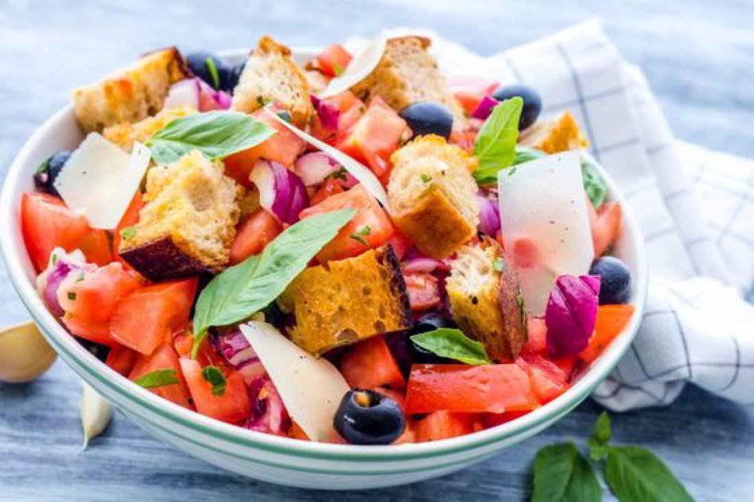 Вкусный салат для романтического ужина - Итальянский салат