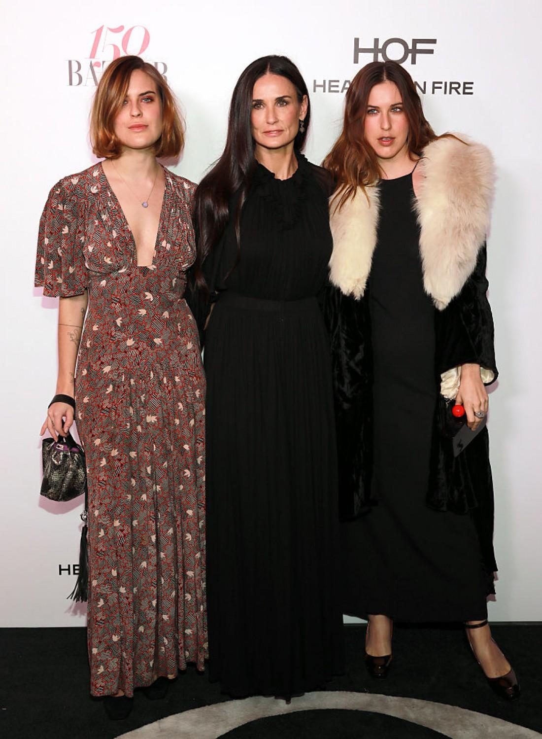 Деми Мур с дочками