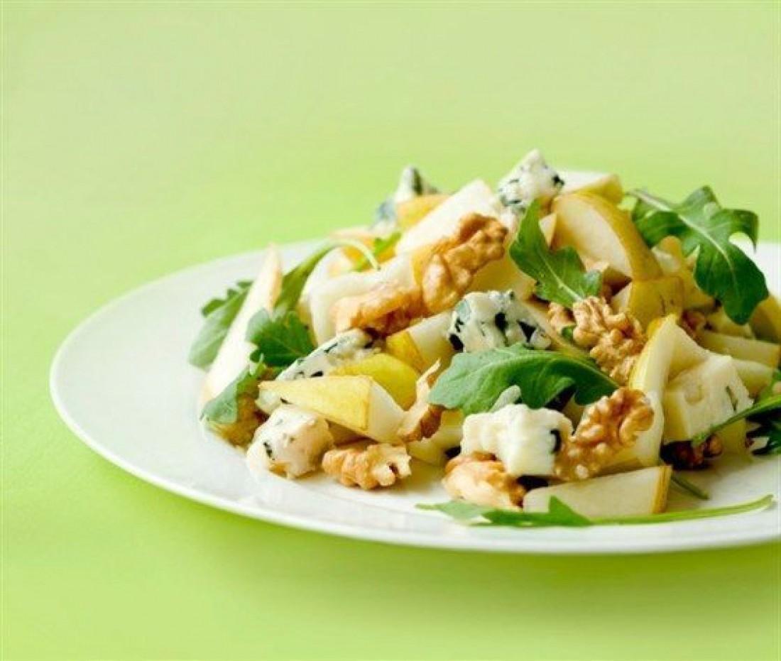Вкусный салат для романтического ужина - Салат из груш с сыром