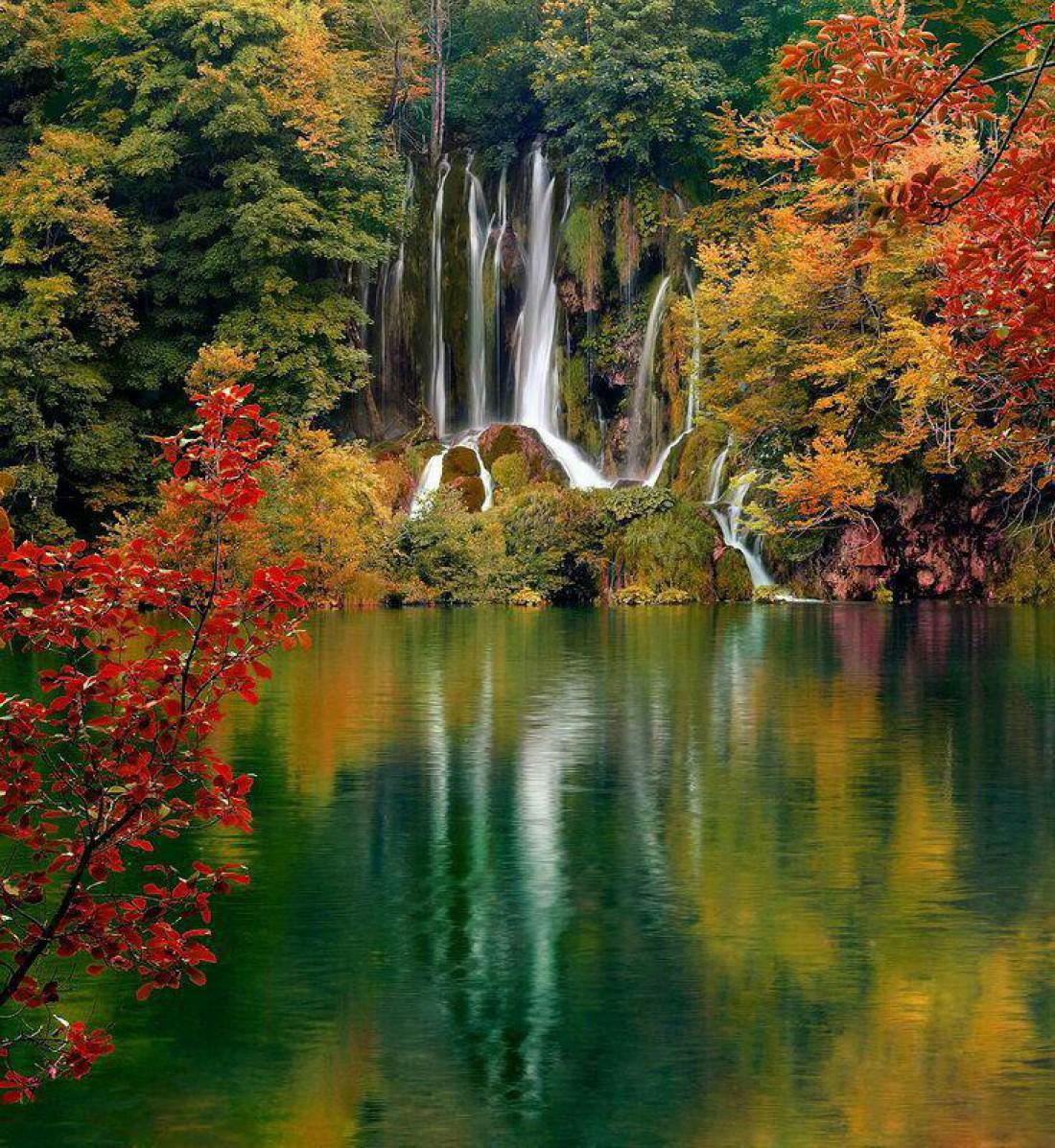 Один из водопадов заповедника Крка
