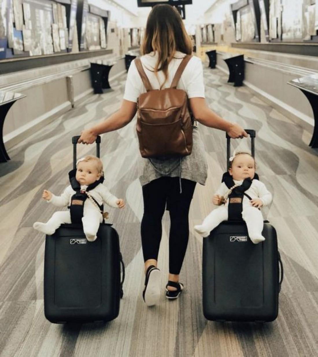 Мама-путешественница: 9 лайфхаков для авиаперелета с детьми