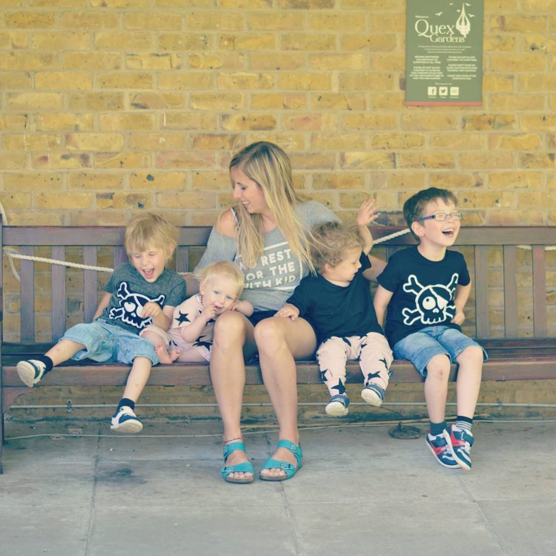 Бекки Гауэр с детьми
