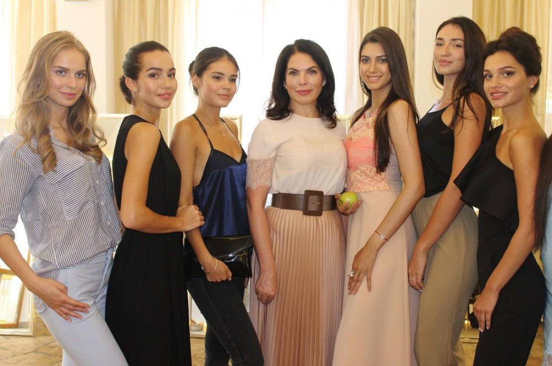 Влада Литовченко встретилась с участницами конкурса Мисс Украина 2016