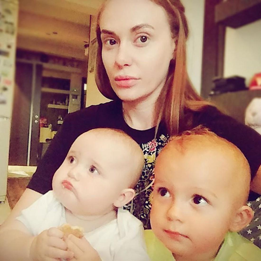 Слава с сыном и дочка