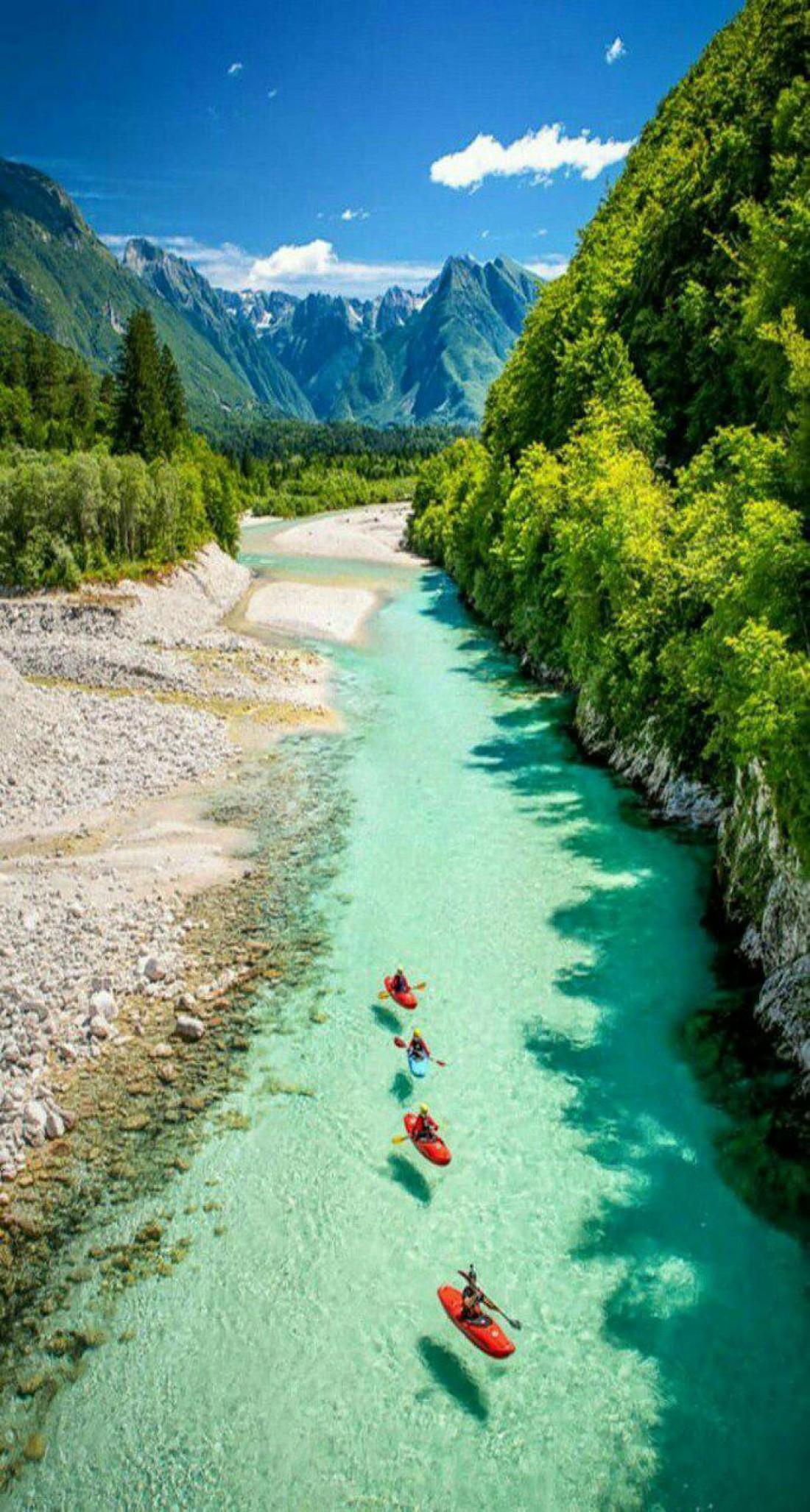Долина реки Соча - идеальное место для любителей водных видов спорта