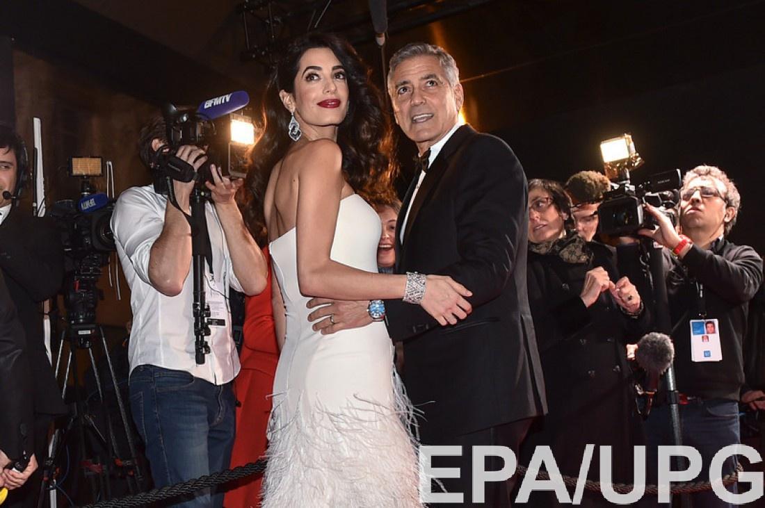 Джордж и беременная Амаль Клуни