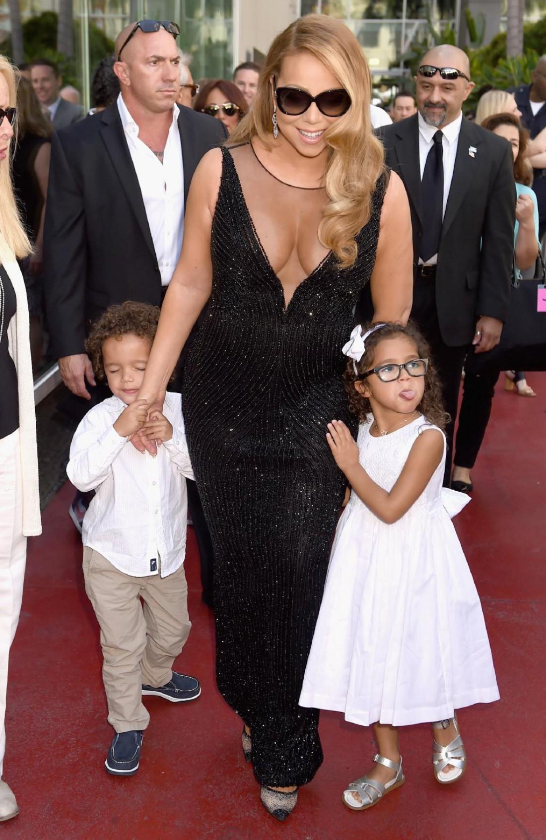 Певица Мерайя Керри с детьми