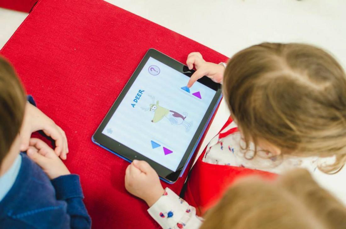 Українські діти повинні мати альтернативні засоби пізнання світу
