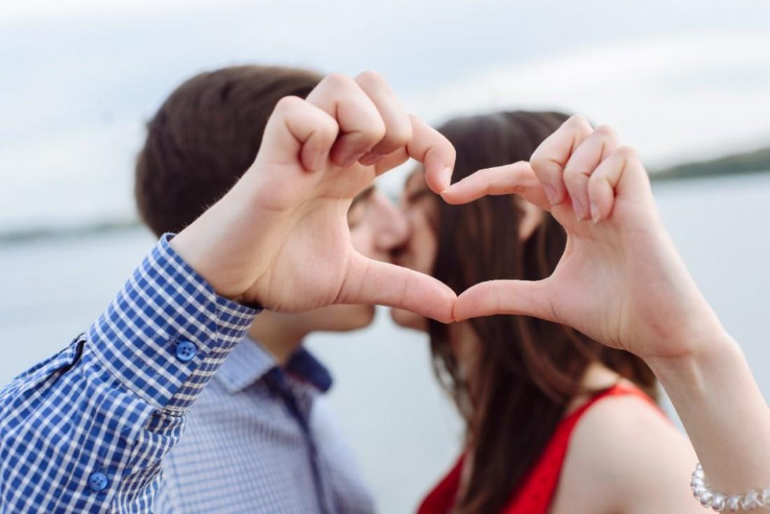 Сердечки пальцами – 61%