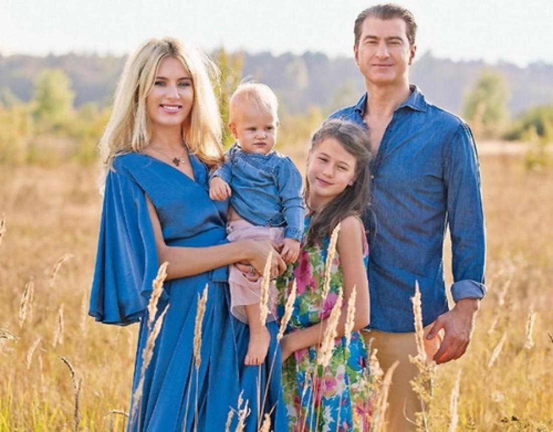 Ольга Горбачева и Юрий Никитин с детьми