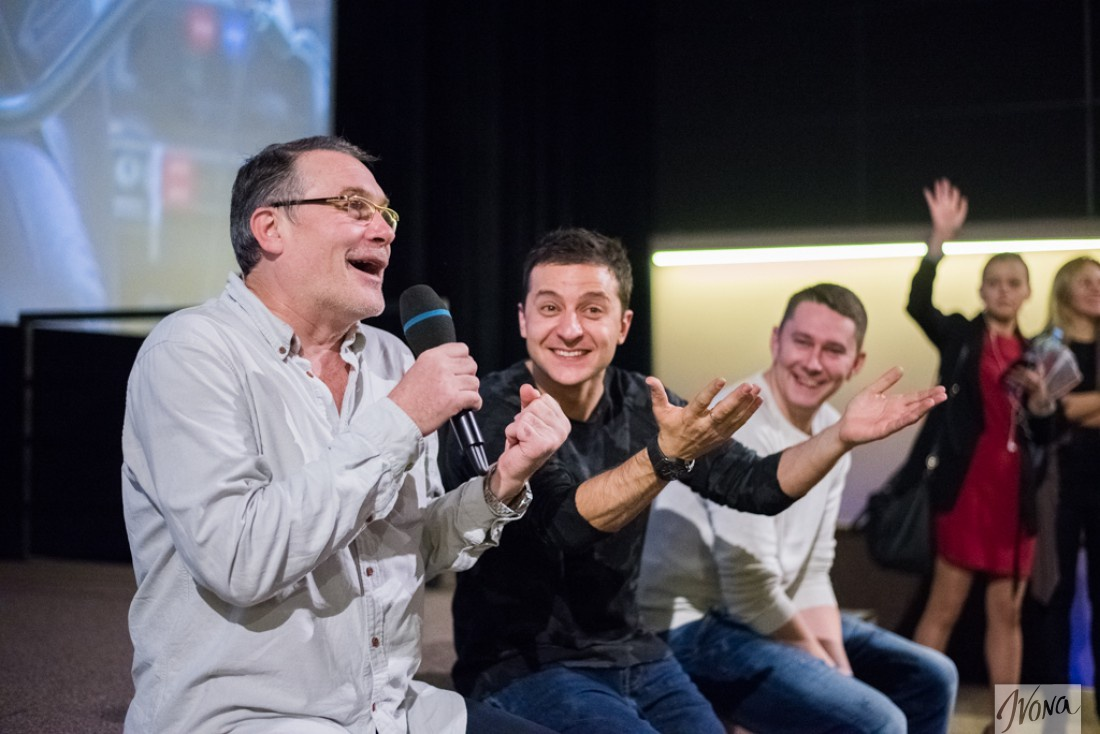 Владимир Зеленский, режиссер Алексей Кирющенко (слева), сценарист Юрий Костюк