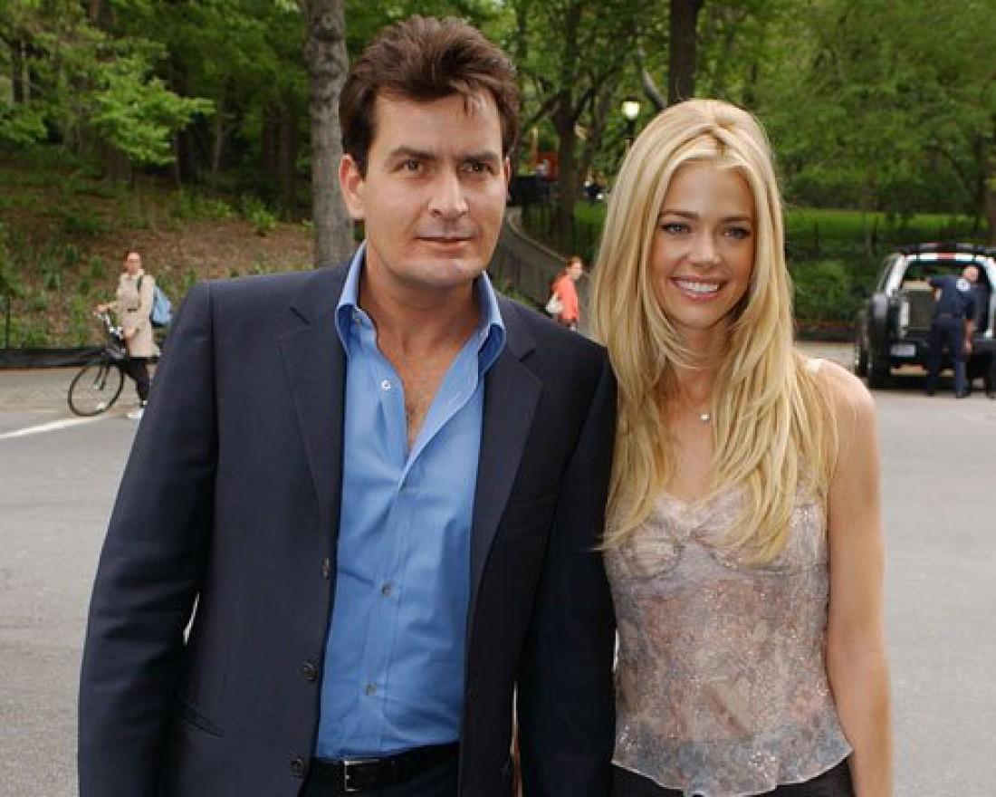 С 2002 по 2006 год был женат на актрисе Дениз Ричардс. У них есть две дочери.