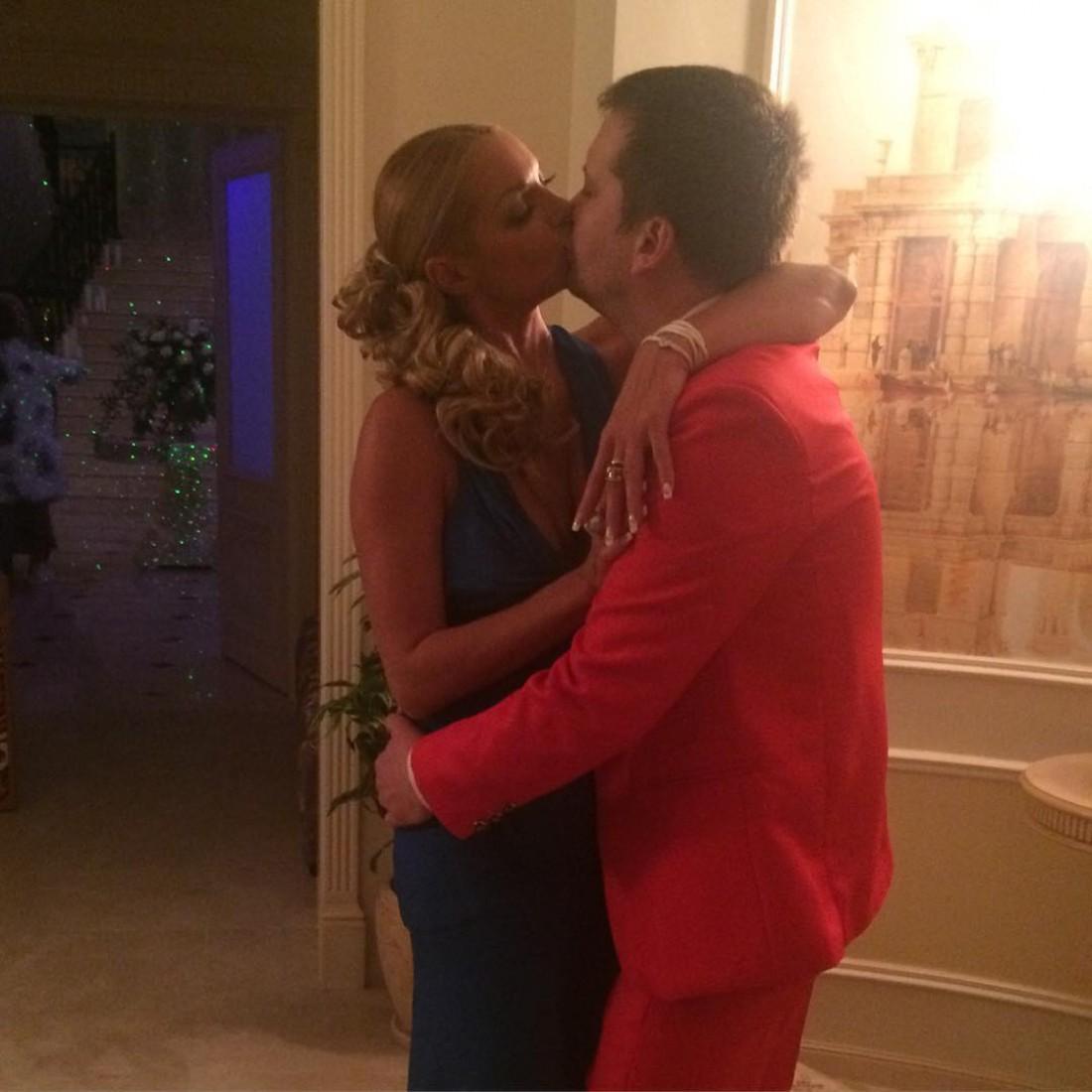 Настя и Михаил показали страсть во время дня рождения балерины