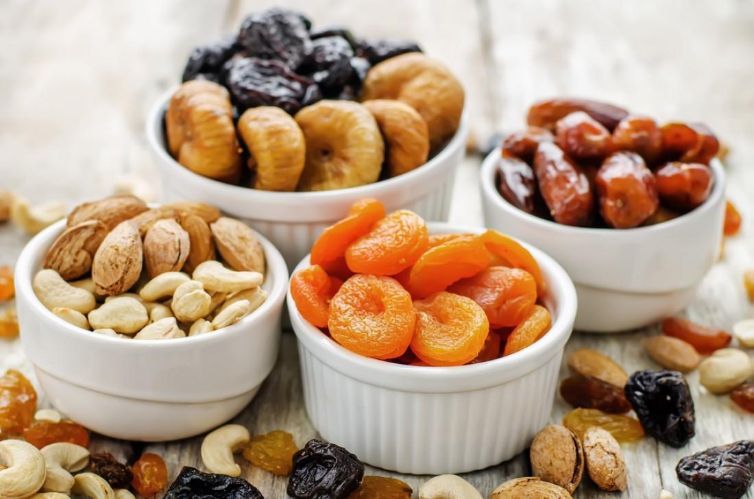 Сухофрукты и орехи – умеренно