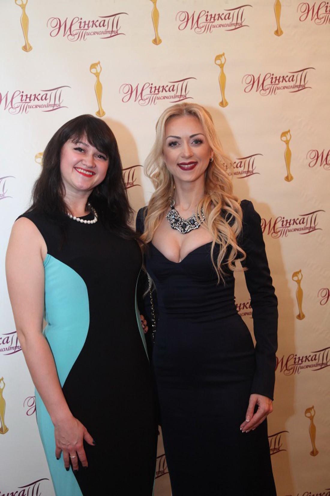Валевская (справа) на премии ЖенщинаIII тысячелетия