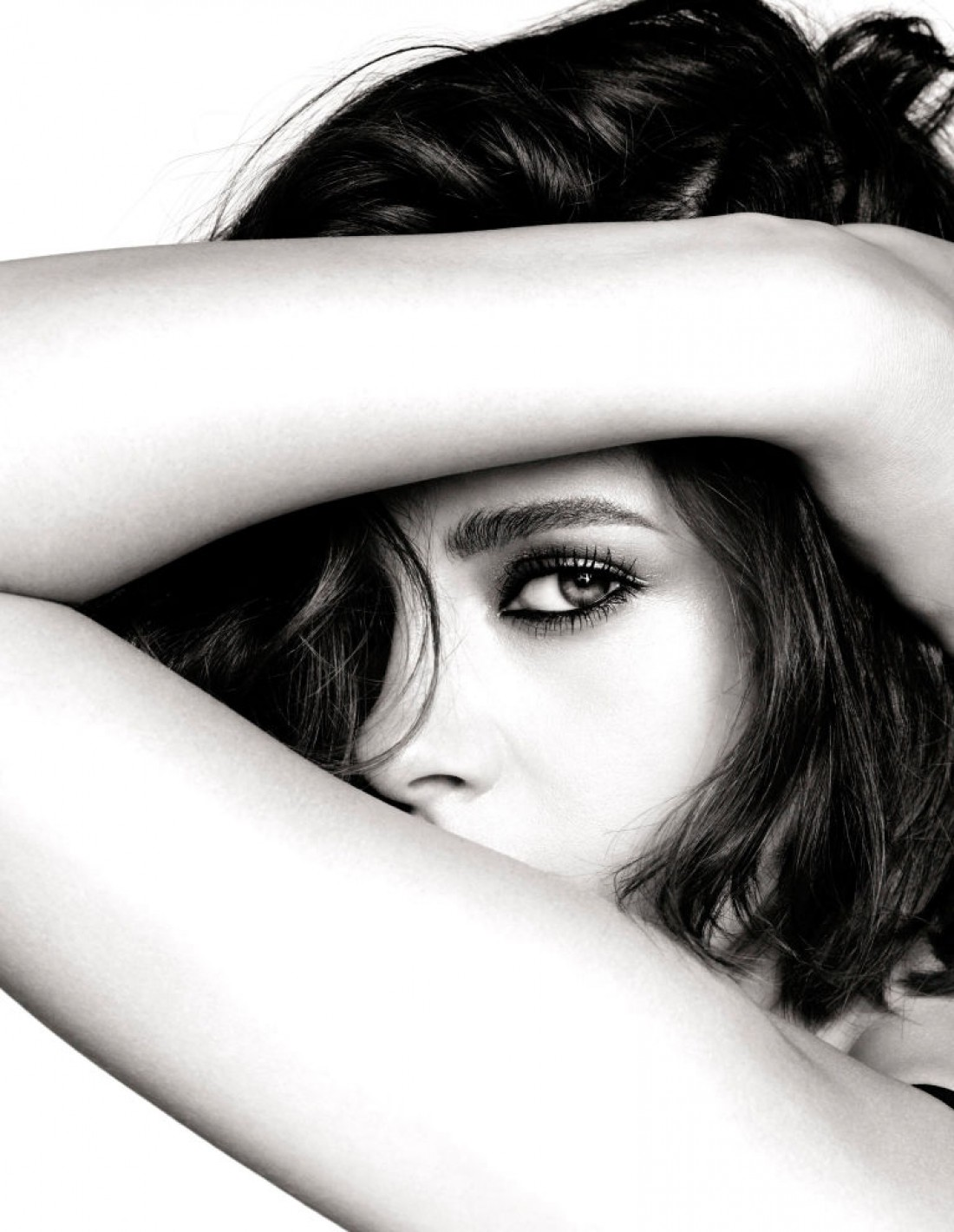 Кристен Стюарт стала новым лицом косметической линейки Chanel