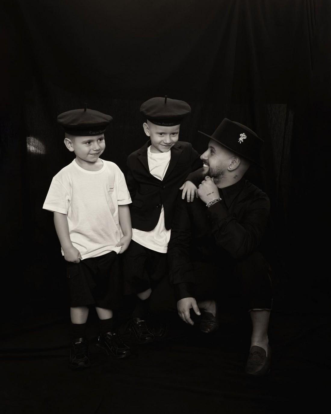 Монатик показал сыновей в стильных нарядах