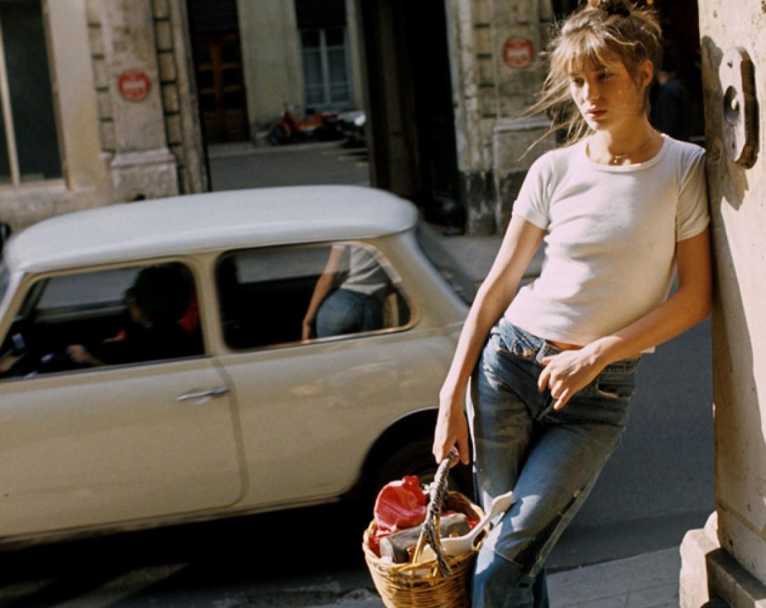 Джейн Биркин с плетенной сумкой-корзинкой