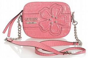 Тенденция в моде - сумка через плечо или...