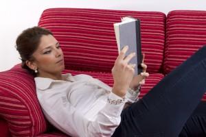 Читать лежа вредно для здоровья