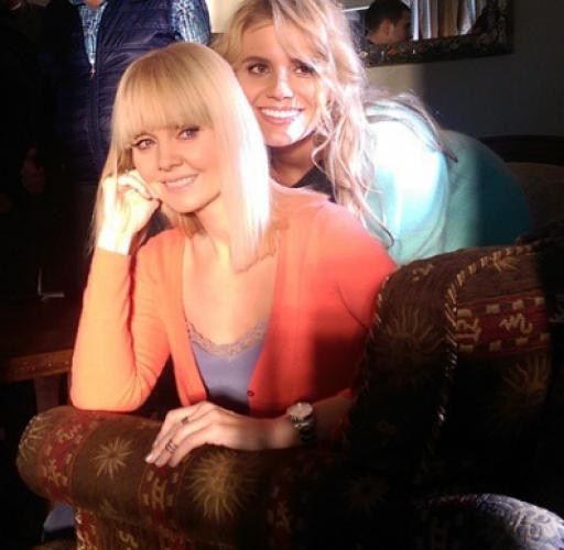 Певица Валерия с дочерью Анной на съемках нового клипа