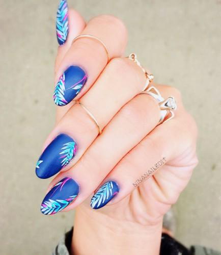 Выбирайте акриловое или наращивание ногтей