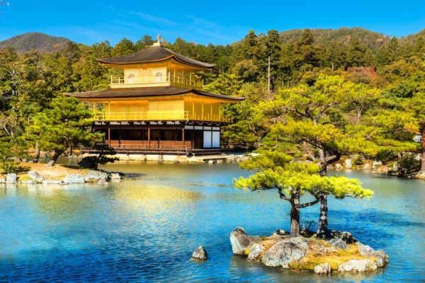 Золотой павильон, Япония