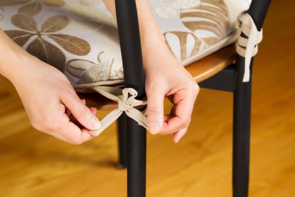 Обновить стулья в домашних условиях можно своими руками