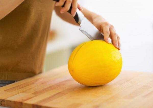 Как разрезать дыню в домашних условиях