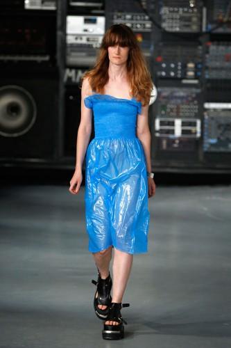 Новый тренд в одежде: Винил