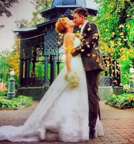 Поклонникам Плаксиной понравились фото со свадьбы