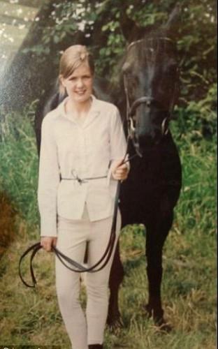 Друзей девушке заменяли лошади