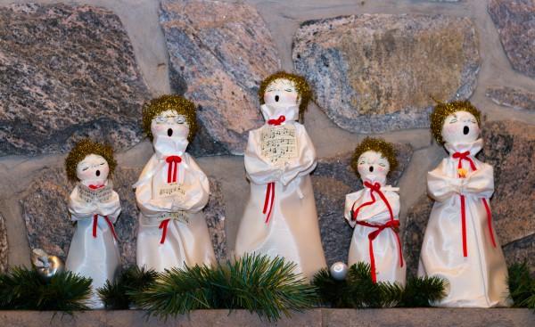 Помоги детям разучить рождественские колядки
