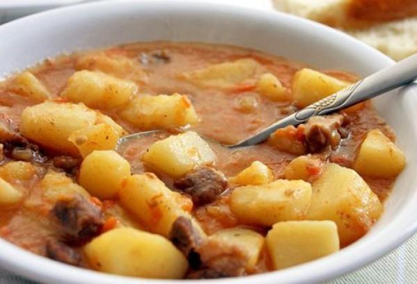 Рецепт                  Тушеный картофель с мясом