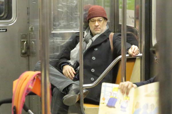 Том Хэнкс в метро