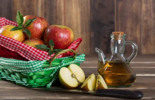 Яблочный уксус улучшает пищеварение
