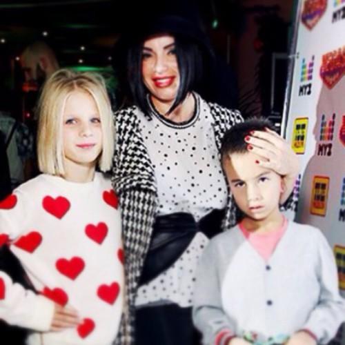Юлия Волковоа с детьми