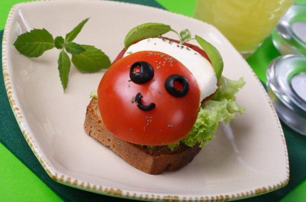 Вкусные завтраки: рецепты необычных бутербродов
