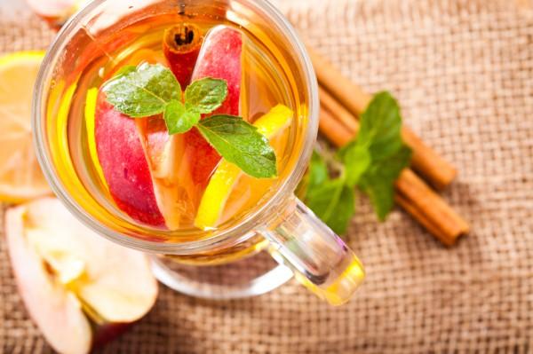 Рецепт                  Чай с яблоками и корицей