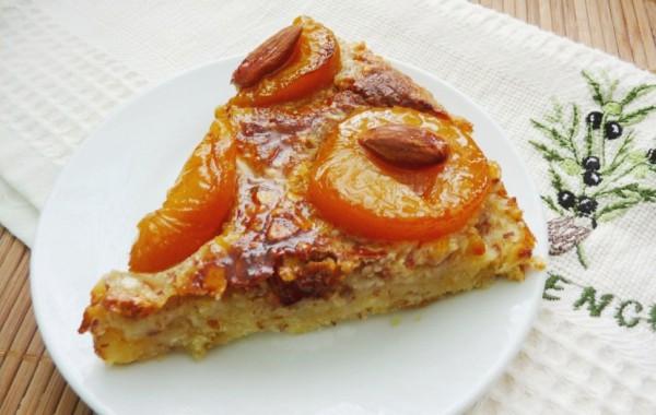 Рецепт                  Праздничный пирог с абрикосами и миндалем
