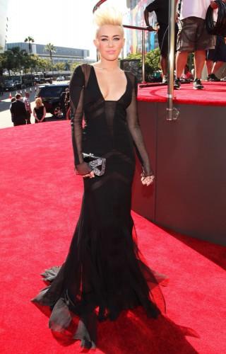 Майли Сайрус в красивом платье