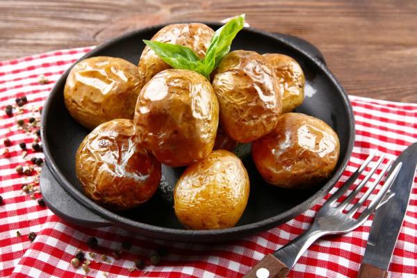 Постный запеченный картофель