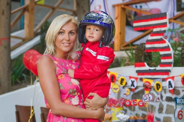 Яна Клочкова с сыночком