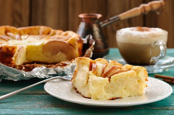 Завтрак на 8 марта: творожная запеканка с яблоками