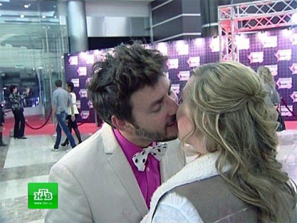 Владимир Широков поцеловал Свету из Иваново