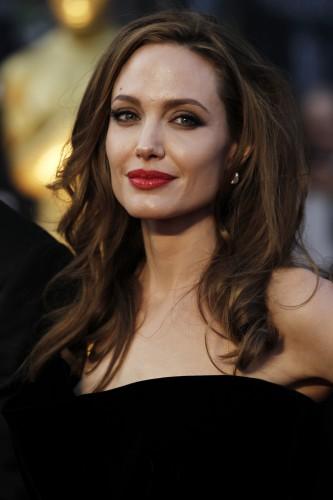 Актриса Анджелина Джоли готова снова стать матерью