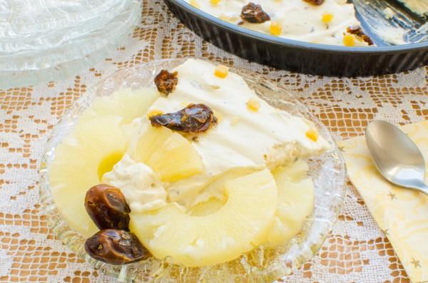 Торт с ананасами и сливочным кремом