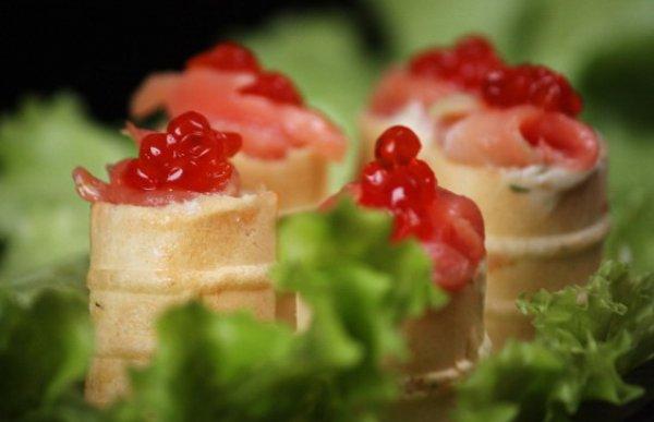Рецепт                  Вафельные корзиночки с красной рыбой и икрой