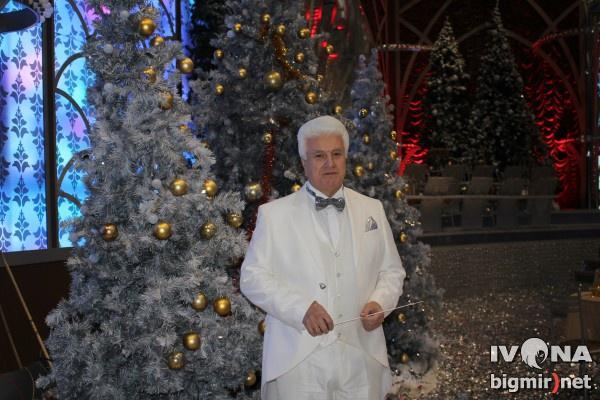 Дирижер оркестра Голубого огонька Ворон Борис Сергеевич